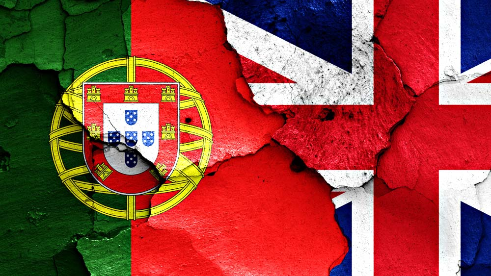 EXCHANGE OF RESIDENCE DOCUMENT FOR BRITISH CITIZENS RESIDING IN PORTUGAL